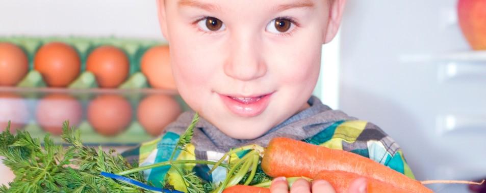 Rohkost und Salate für Kinder: Rezepte mit Vitaminen können Spaß machen