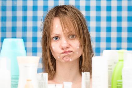 Produkte auf natürlicher Basis greifen die Haut nicht an und reizen sie nicht weiter. (#03)
