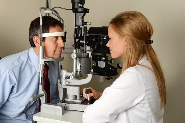 Die bereits genannten Empfehlungen gegen das Flimmern vor den Augen beziehen sich auf Augen-Migräne. (#03)