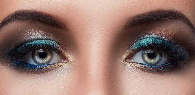 """Die Augenregion steht im Fokus und die Bereiche Beauty und Make-up drehen sich 2017 beständig um die """"Fenster zur Seele"""". (#01)"""