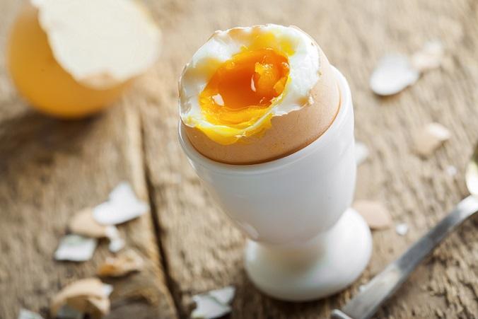 Wichtig ist, nicht nur auf Eier zu setzen, sondern sie mit den wichtigsten Grundnahrungsmitteln zu kombinieren. (#03)
