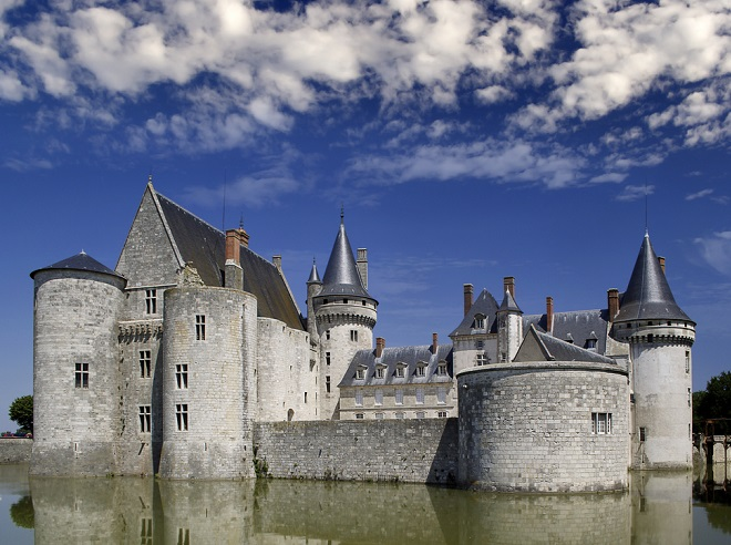 """Um beim Camping die Loire-Schlösser zu erleben, sollten Sie sich unbedingt vorab die Karte ansehen und dann entscheiden, welche Schlösser denn unbedingt auf die """"Zu besichtigen - Liste"""" gehören. (#03)"""