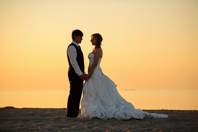 Mit ihren unterschiedlichen Schnitten eignen sich die Hochzeitskleider für kleine oder große, schlanke oder mollige Frauen. Abhängig vom Ausschnitt, von der Länge und davon, wie eng das Kleid anliegt, lässt sich die individuelle Schokoladenseite richtig inszenieren. (#02)