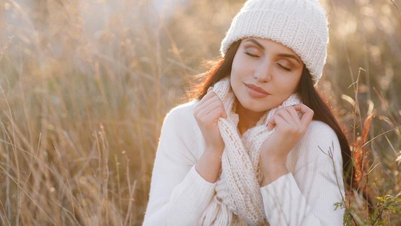 Kuschelig weiche Wolle für Pullover und Schals, Leder als Material für Mäntel und Schuhe – die Designer haben beide Materialien zum Must Have der Saison erklärt.