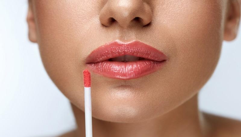 Der perfekte Farbton für natürliches Make-Up ist derjenige, der die ungeschminkte Lippenfarbe betont und bestärkt, ohne aufgesetzt zu wirken.(#05)