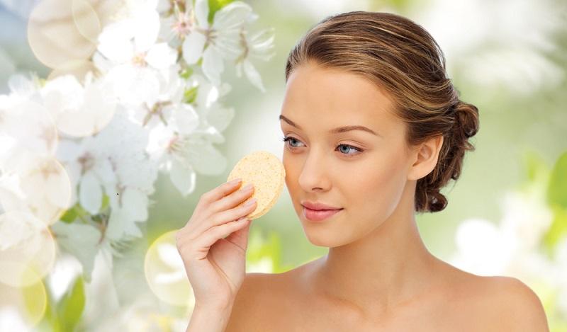 Naturkosmetik Test: Bei den ersten Anwendungen ist die Haut nach dem Cremen mit Naturkosmetika tatsächlich weniger weich. (#04)
