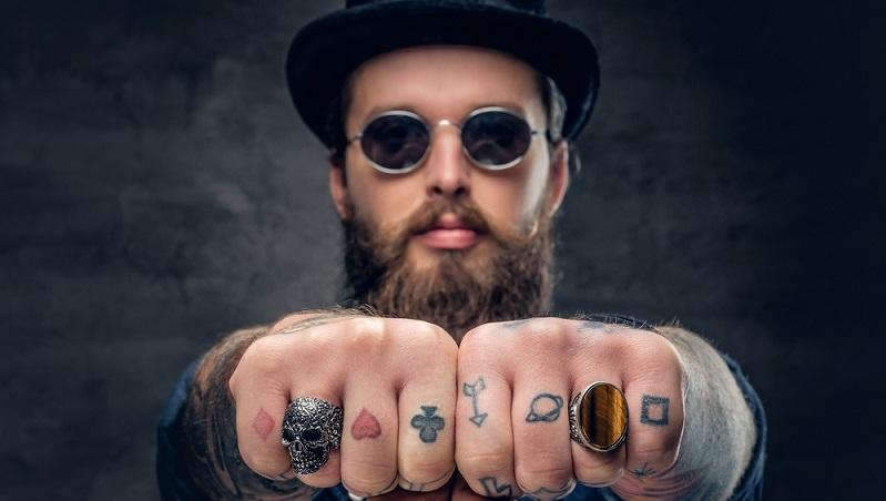 finger tattoos m nner. Black Bedroom Furniture Sets. Home Design Ideas