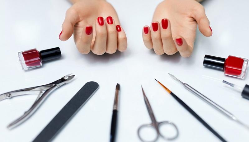 Bevor man sich überlegt, wie es möglich ist, schöne Nägel zu bekommen, ist es wichtig, sich Gedanken darüber zu machen, wie man die Nägel gesund halten kann. (#01)