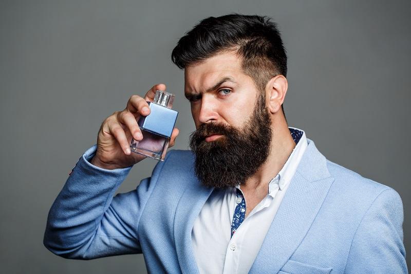 """Wer exklusive Geschenke für Männer, die alles haben, sucht, ist mit """"Royal Water"""" gut beraten. ( Foto: Shutterstock- Body Stock_)"""